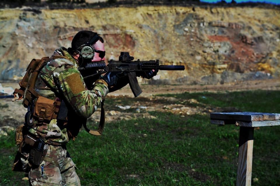 На базі 30-ї ОМБр ім. князя Костянтина Острозького пройшли змагання зі швидкісної стрільби, фото-1