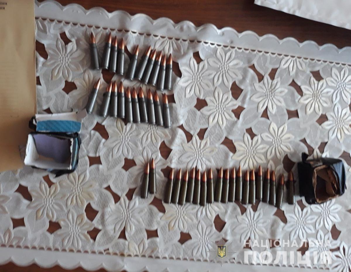 У жителя Новоград-Волинського району поліція вилучила арсенал зброї, фото-2