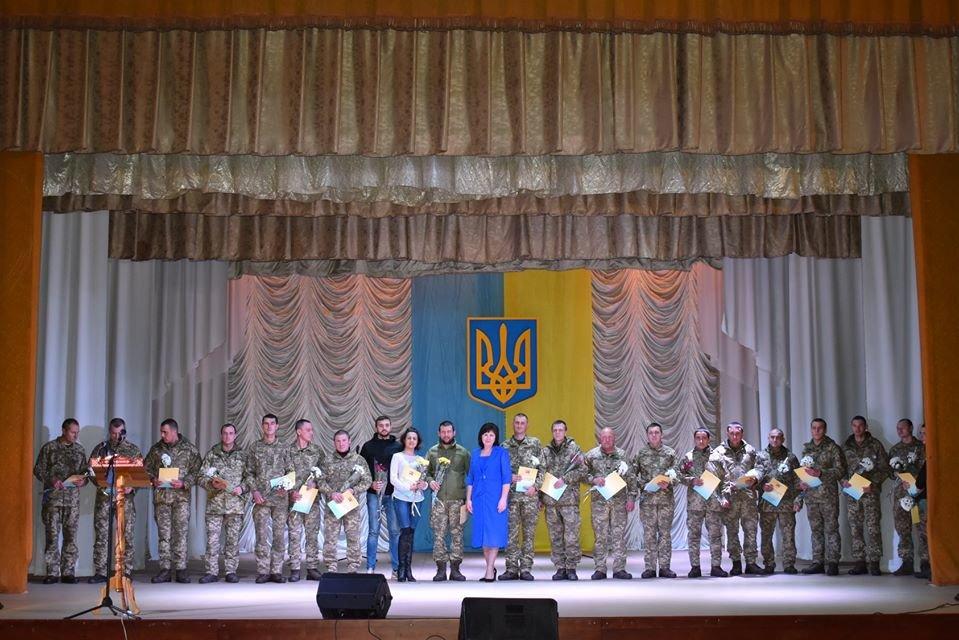 Як у Новограді відзначали День ЗСУ та Міжнародний день волонтерів, фото-3