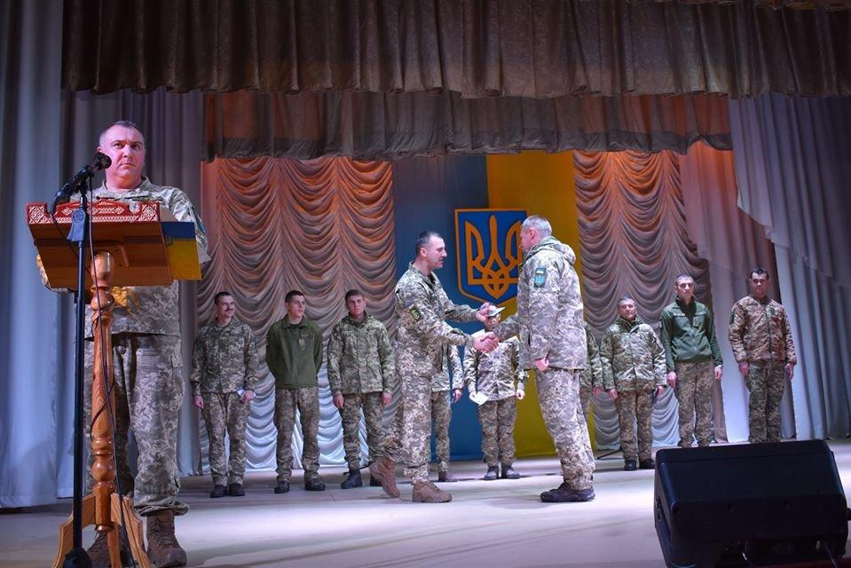 Як у Новограді відзначали День ЗСУ та Міжнародний день волонтерів, фото-5