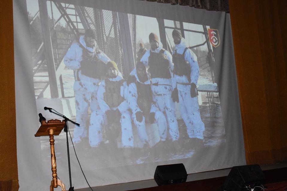 Як у Новограді відзначали День ЗСУ та Міжнародний день волонтерів, фото-1