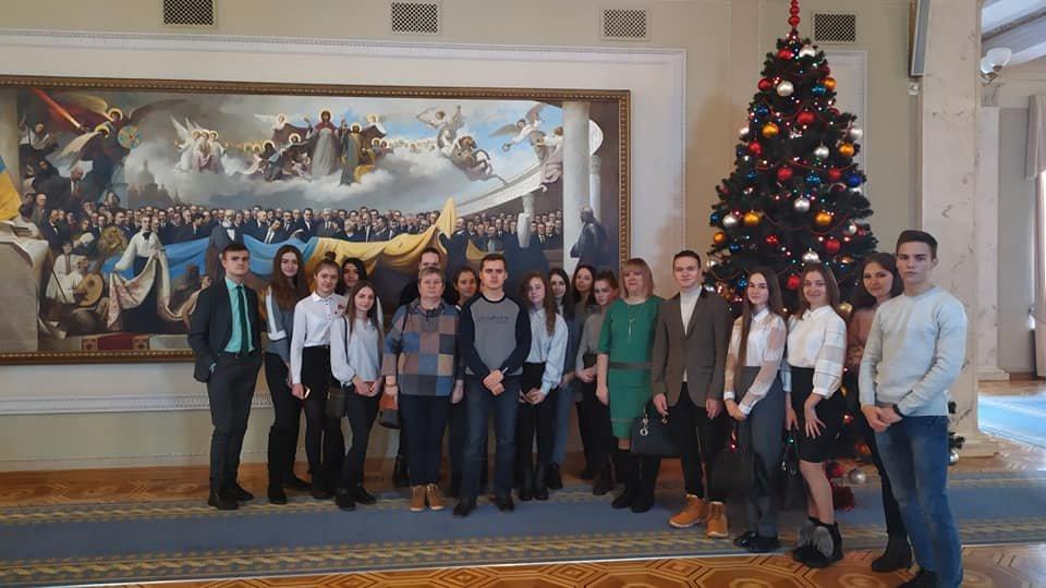 Учні Новограда-Волинського перебувають на екскурсії у Верховній Раді України, фото-3