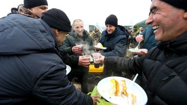 Обмін завершився: Київ заявив про звільнення з полону 76 українців, фото-3