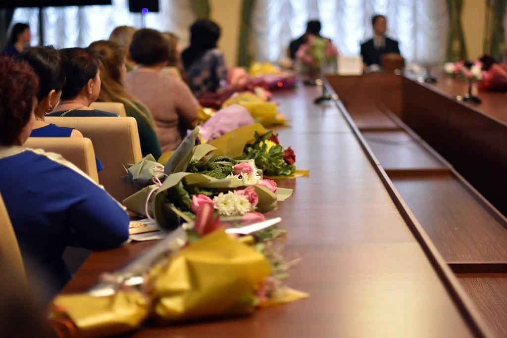 Мешканка Новоград-Волинського району отримала почесне званням «Мати-героїня», фото-1