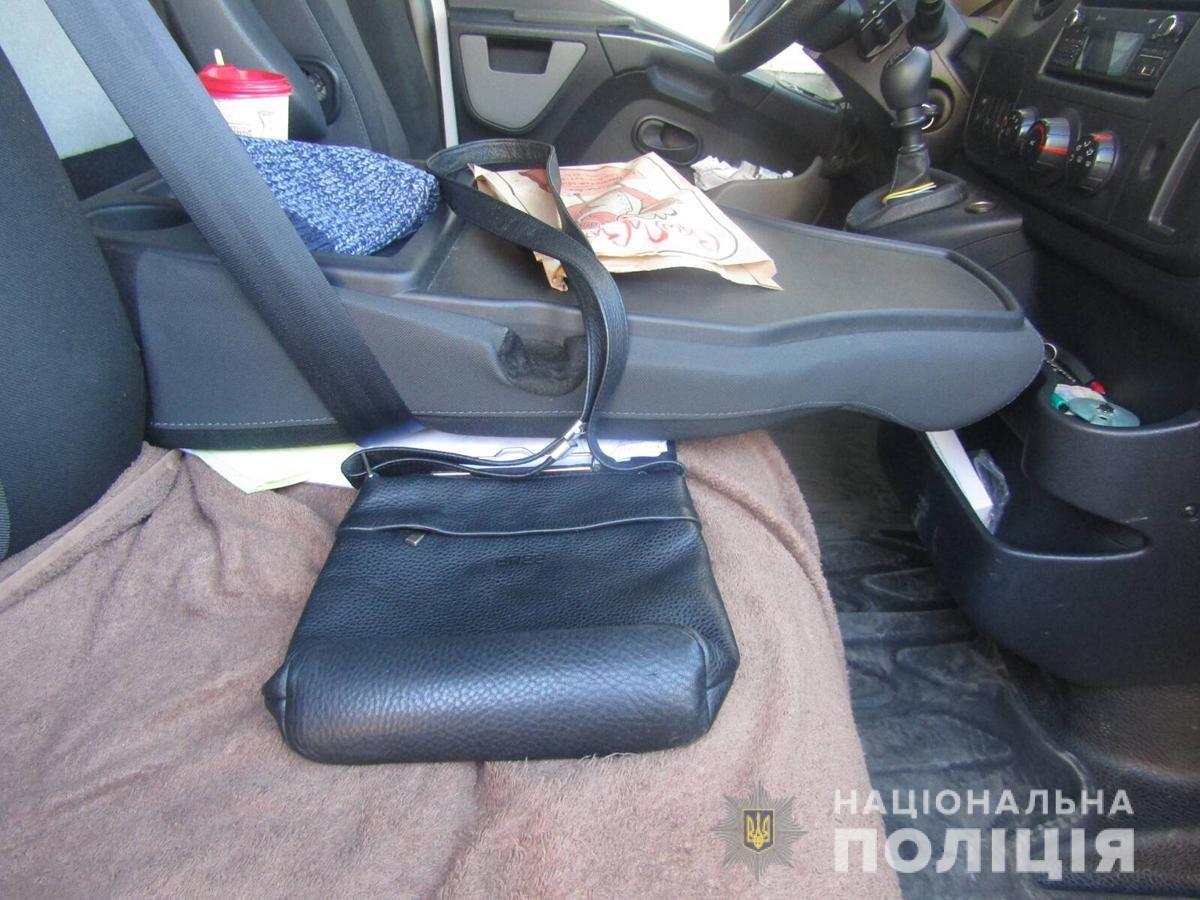Крадіжка з авто та погроза вбивством: подробиці гучного замаху у Новограді-Волинському, фото-1