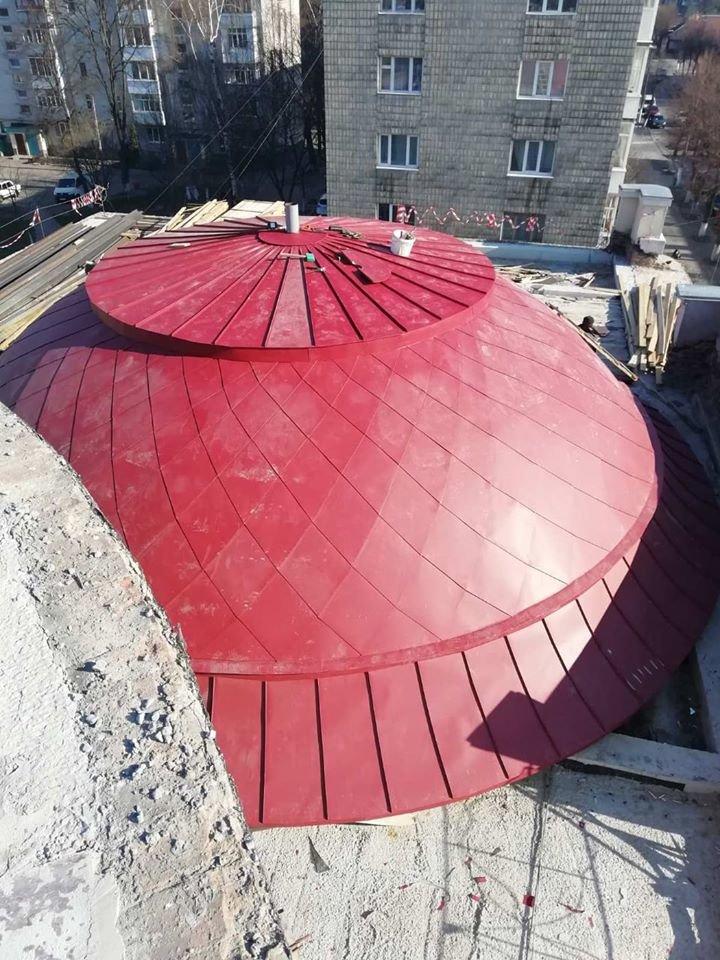 У Новограді-Волинському тривають роботи з реставрації міського Молодіжного центру, фото-2