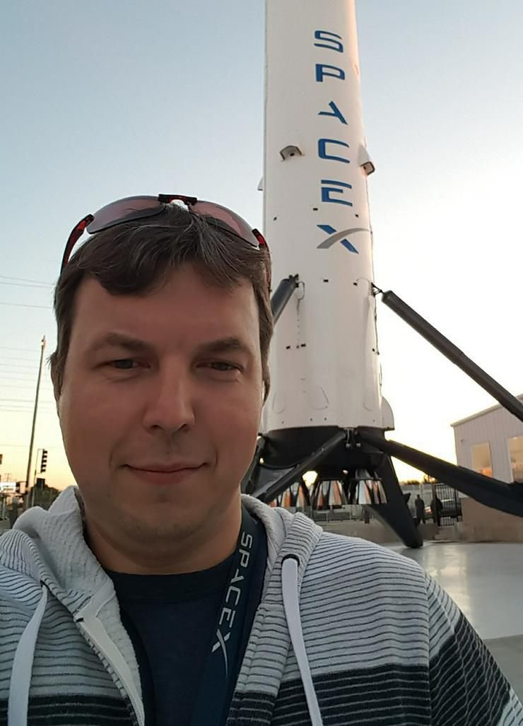 Підкорювати космос Ілону Маску допомагає житомирянин, фото-1