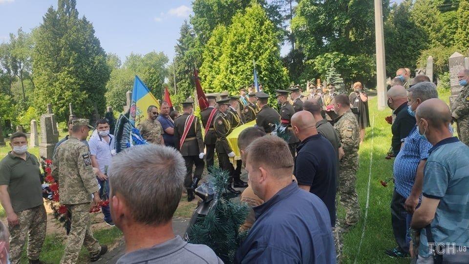Сьогодні попрощалися із військовим 30-ї бригади Леонідом Добрянським, фото-5