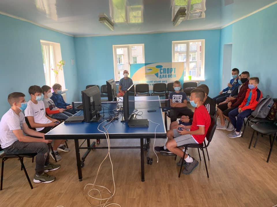 У Новограді-Волинському пройшов турнір з FIFA на приставках, фото-1