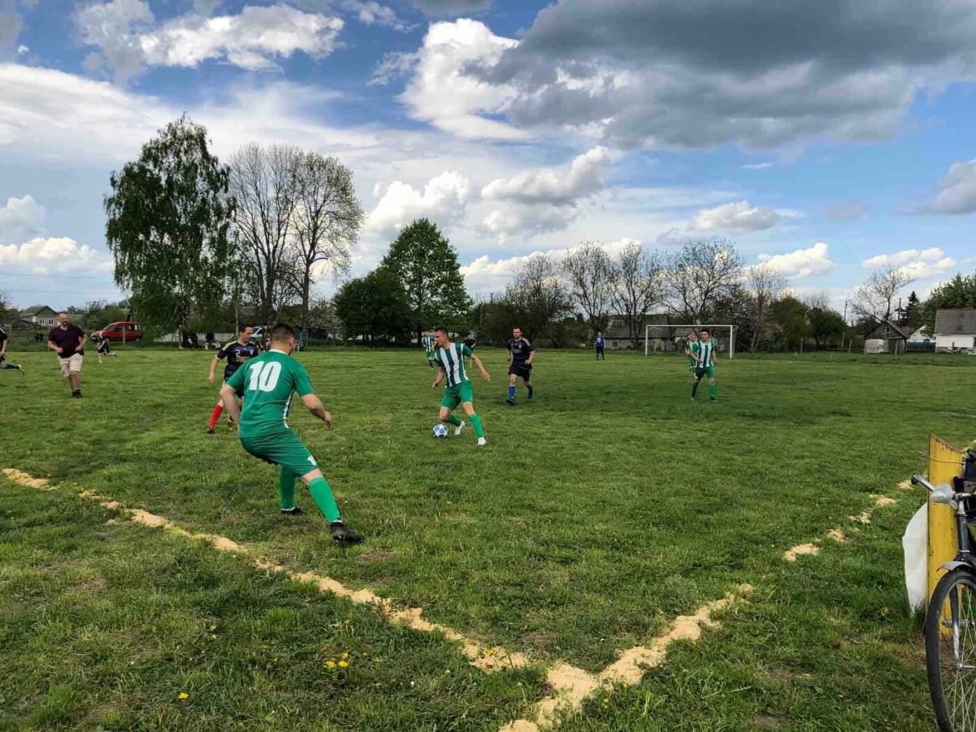 На Новоград-Волинщині відбувся відкритий матч чемпіонату району з футболу, фото-1
