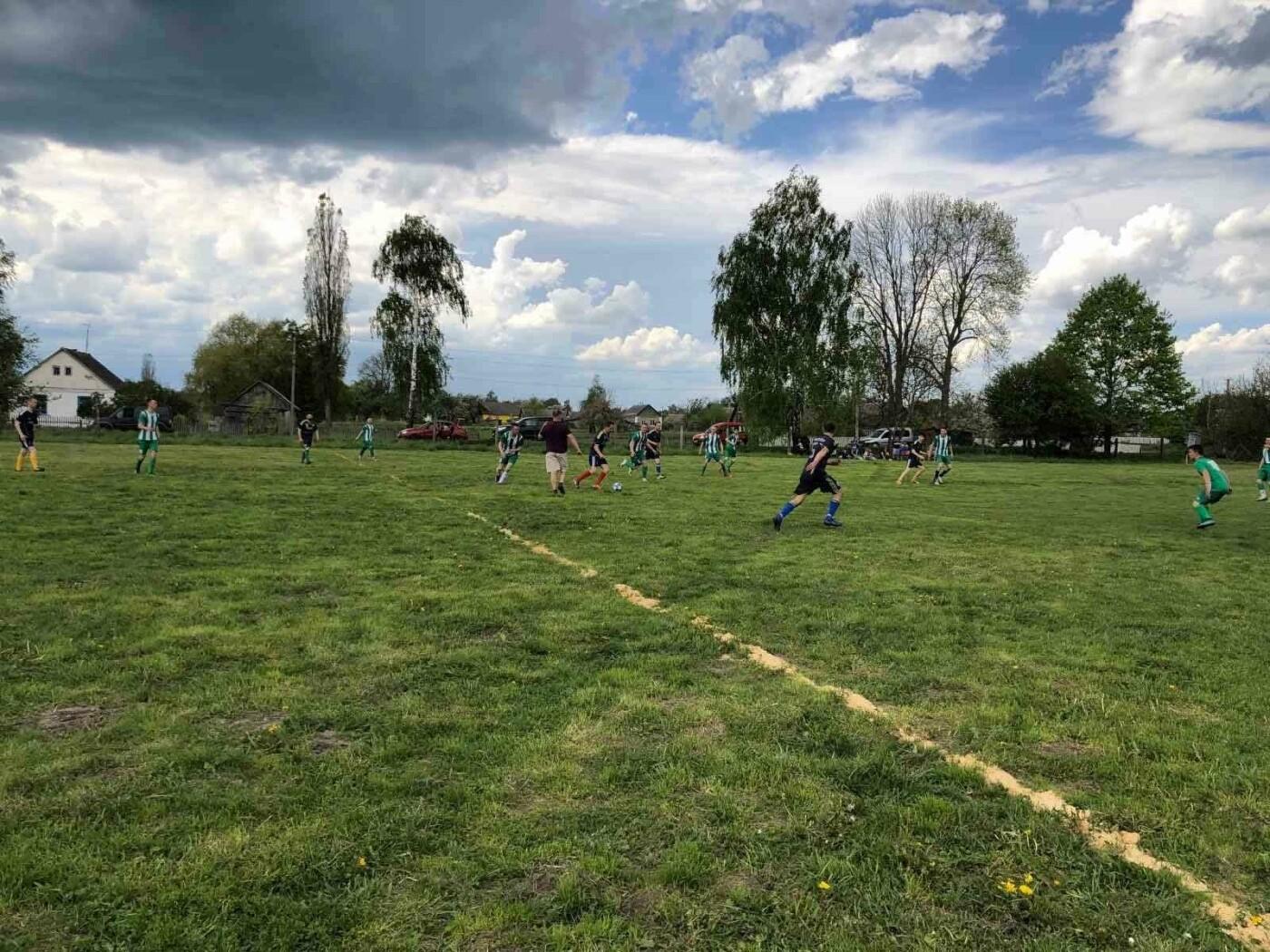 На Новоград-Волинщині відбувся відкритий матч чемпіонату району з футболу, фото-3