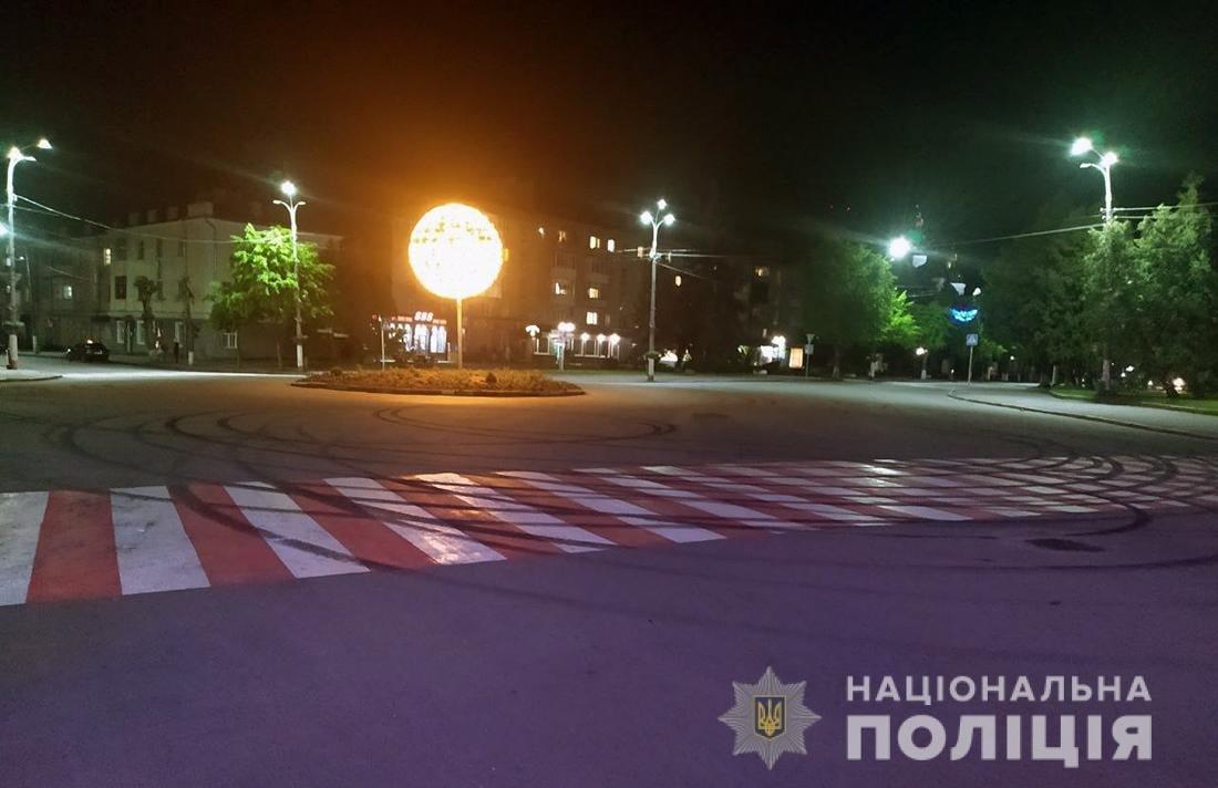 За нічний «дрифт» у Новограді-Волинському водію «BMW» загрожує кримінальна відповідальність, фото-2