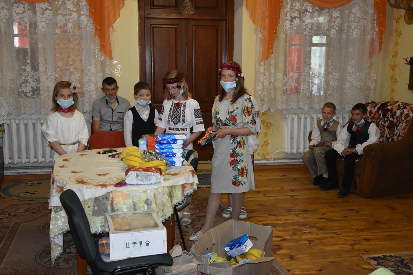 На Новоград-Волинщині привітали вихованців дитячих будинків сімейного типу, фото-3