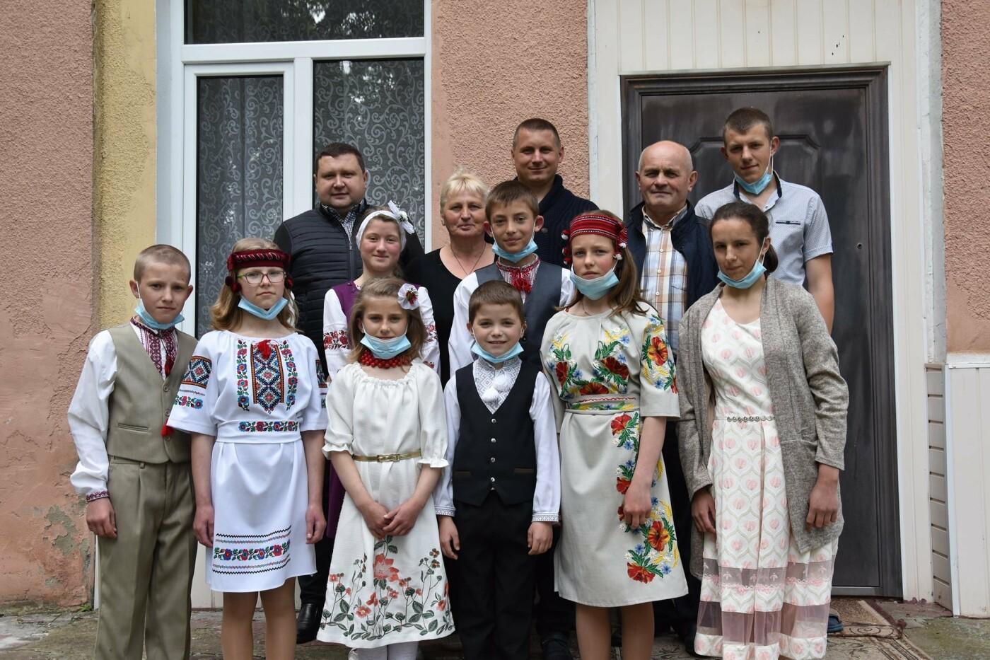 На Новоград-Волинщині привітали вихованців дитячих будинків сімейного типу, фото-2