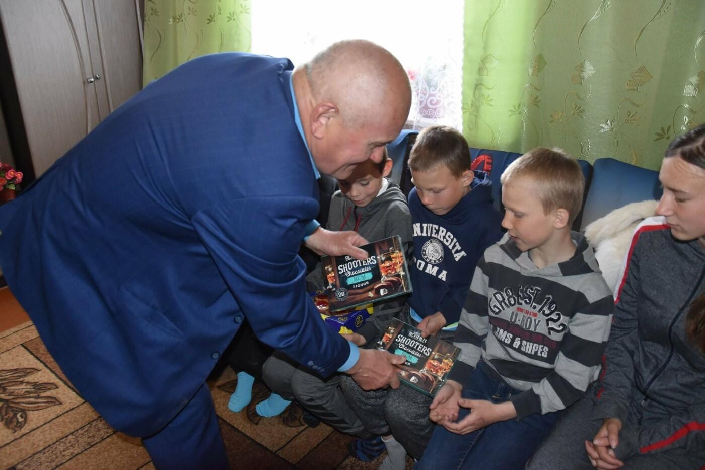 На Новоград-Волинщині привітали вихованців дитячих будинків сімейного типу, фото-4