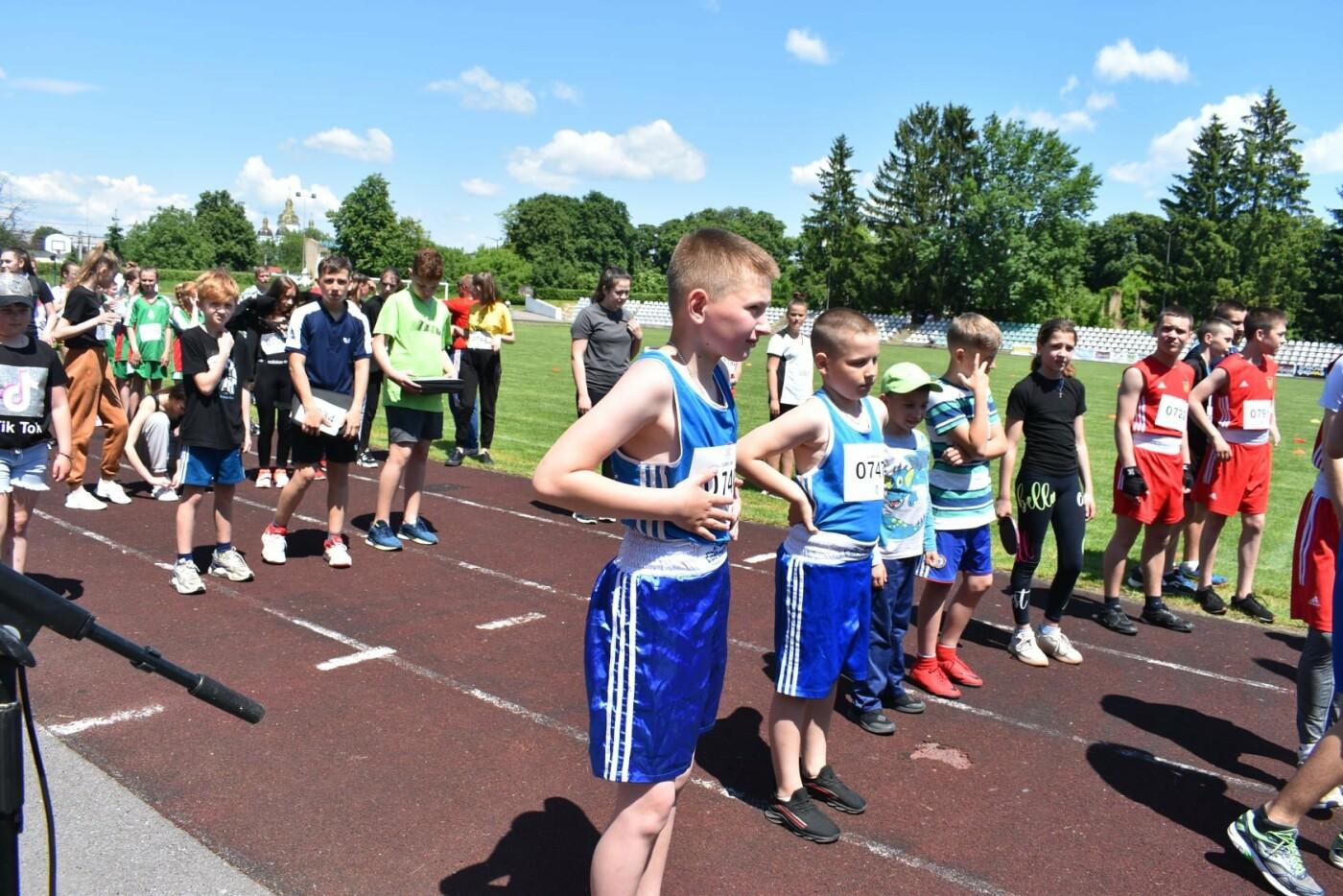 У Новограді відбувся легкоатлетичний пробіг під назвою «Рух – це здорово», фото-1