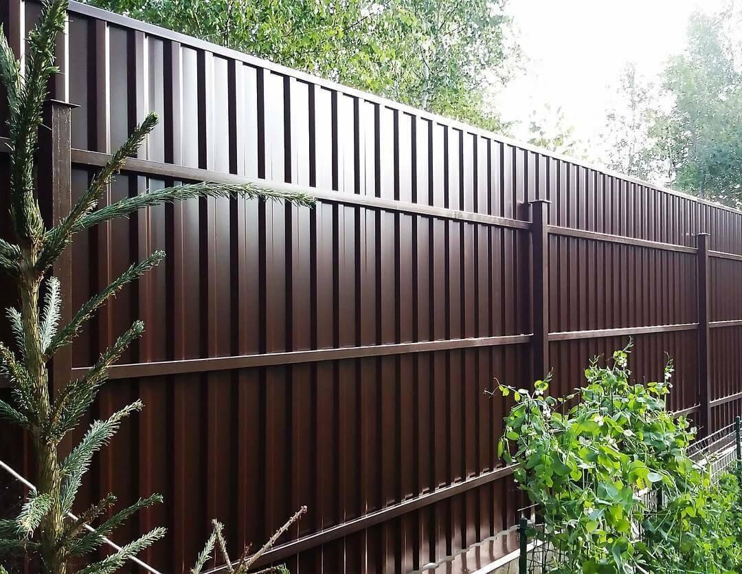 Як підібрати профнастил для паркану?
